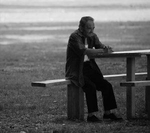 hombre con Alzheimer