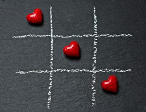 No juegues al tres en ralla con tu corazón