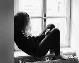 chica con depresión y ansiedad